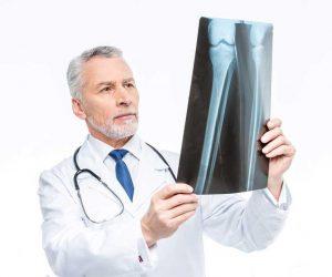 Frattura femore anca deambulatore