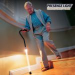 bastone-led-per-anziani-presence-light