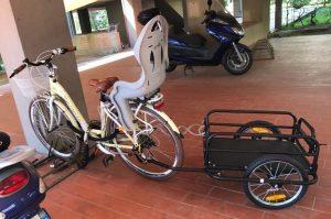 Carrello per bici con attacco universale
