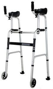 Deambulatore con appoggi brachiali anziani disabili