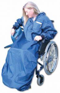 Impermeabile per sedia a rotelle con maniche