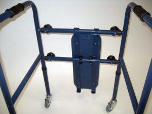 Deambulatore smontabile con sedile e freni