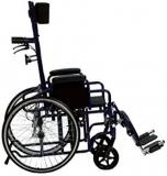Carrozzina pieghevole con schienale reclinabile