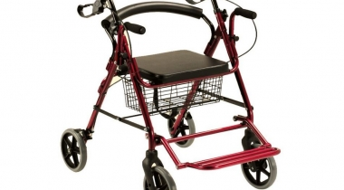 Deambulatore Sedia a rotelle con poggia piedi unico
